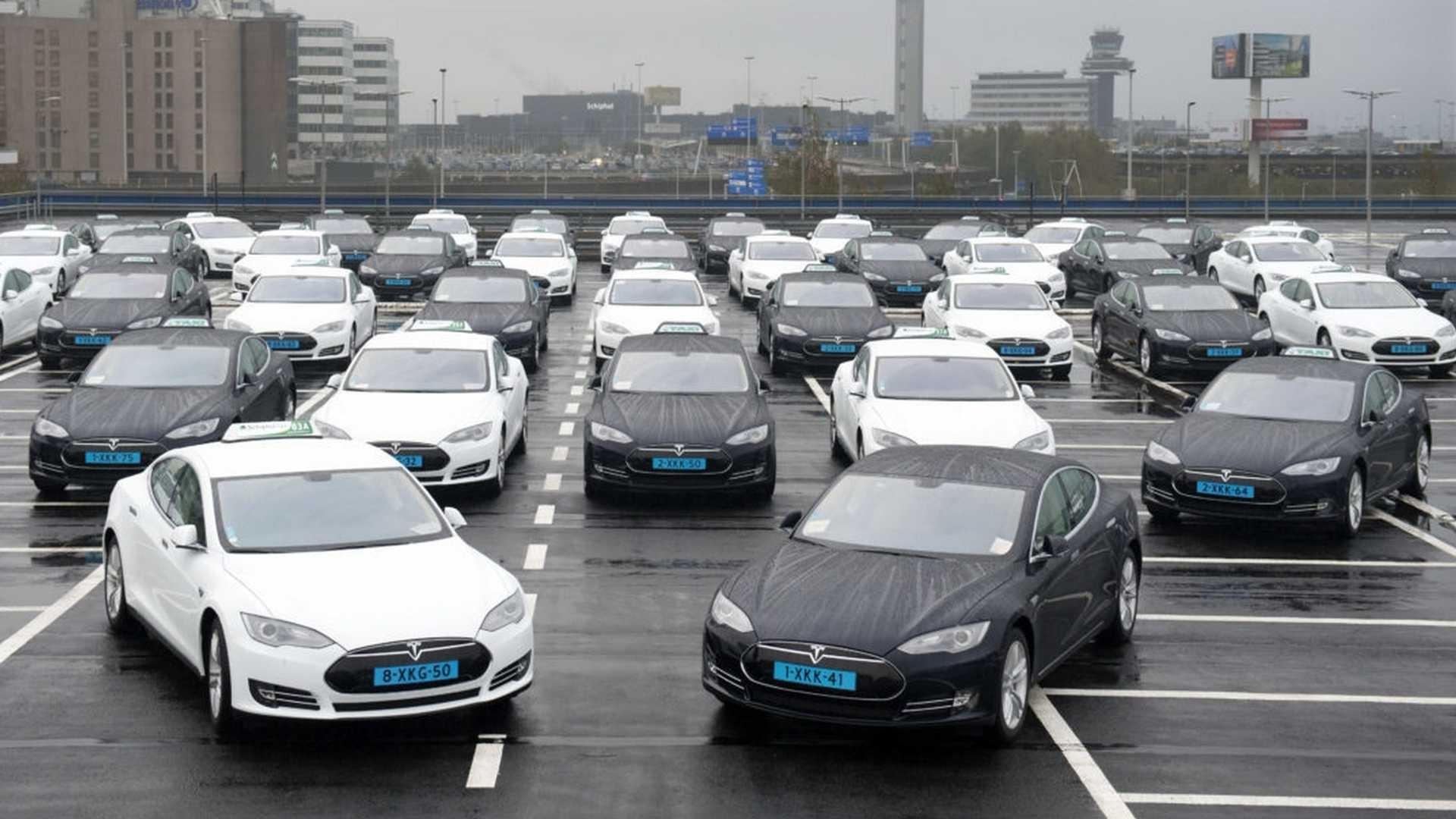 Mașinile Tesla nu sunt construite așa bine pe cât sugerează Elon Musk