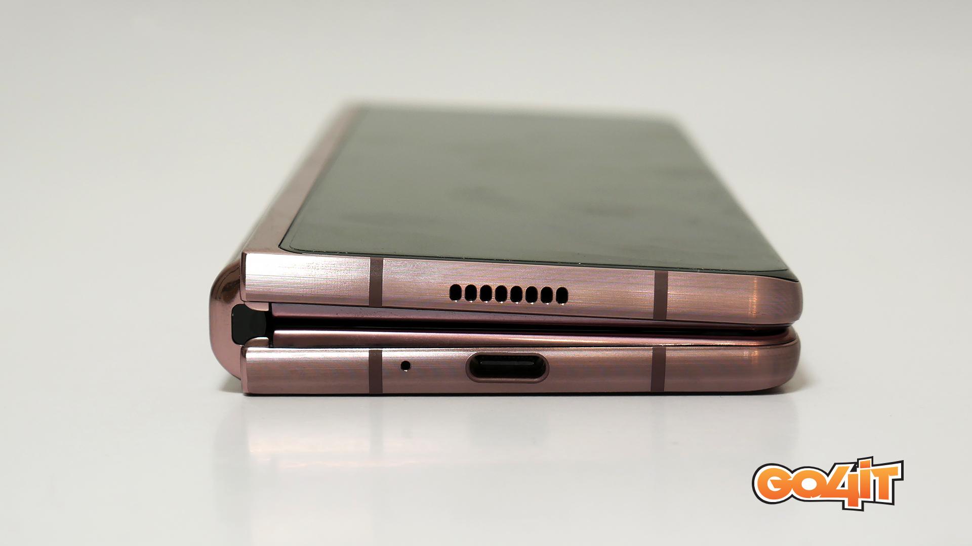 Samsung Galaxy Z Fold2 bottom port
