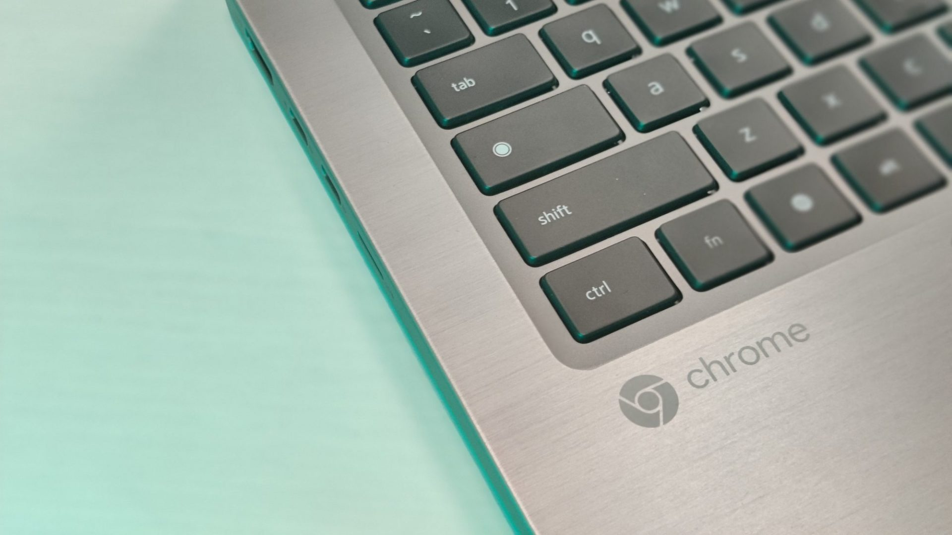 Google renunță la butonul Caps Lock de pe tastatură. Cu ce îl înlocuiește