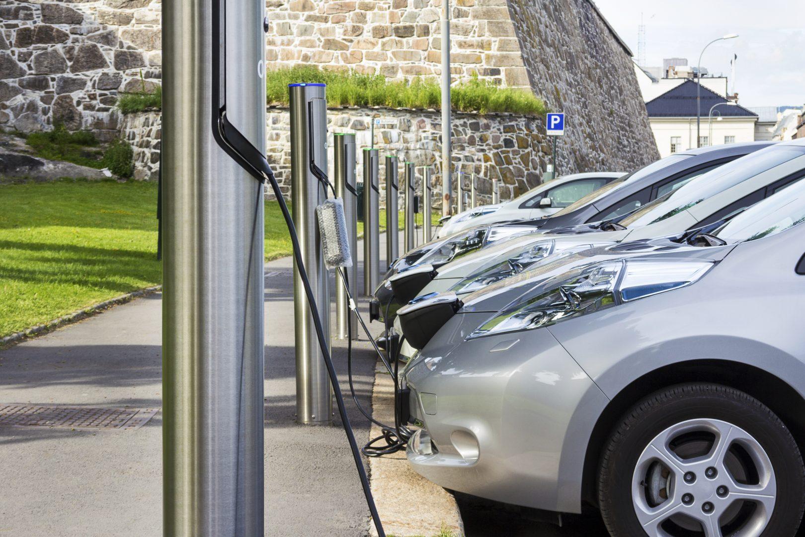 Se apropie anul în care o mașină electrică va costa la fel de mult ca una tradițională