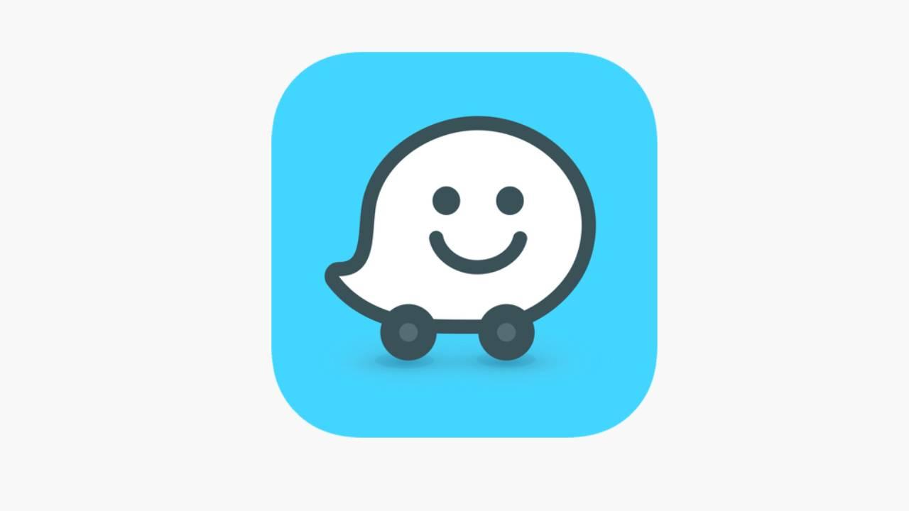 Waze prin Apple CarPlay va funcționa și în modul Split View
