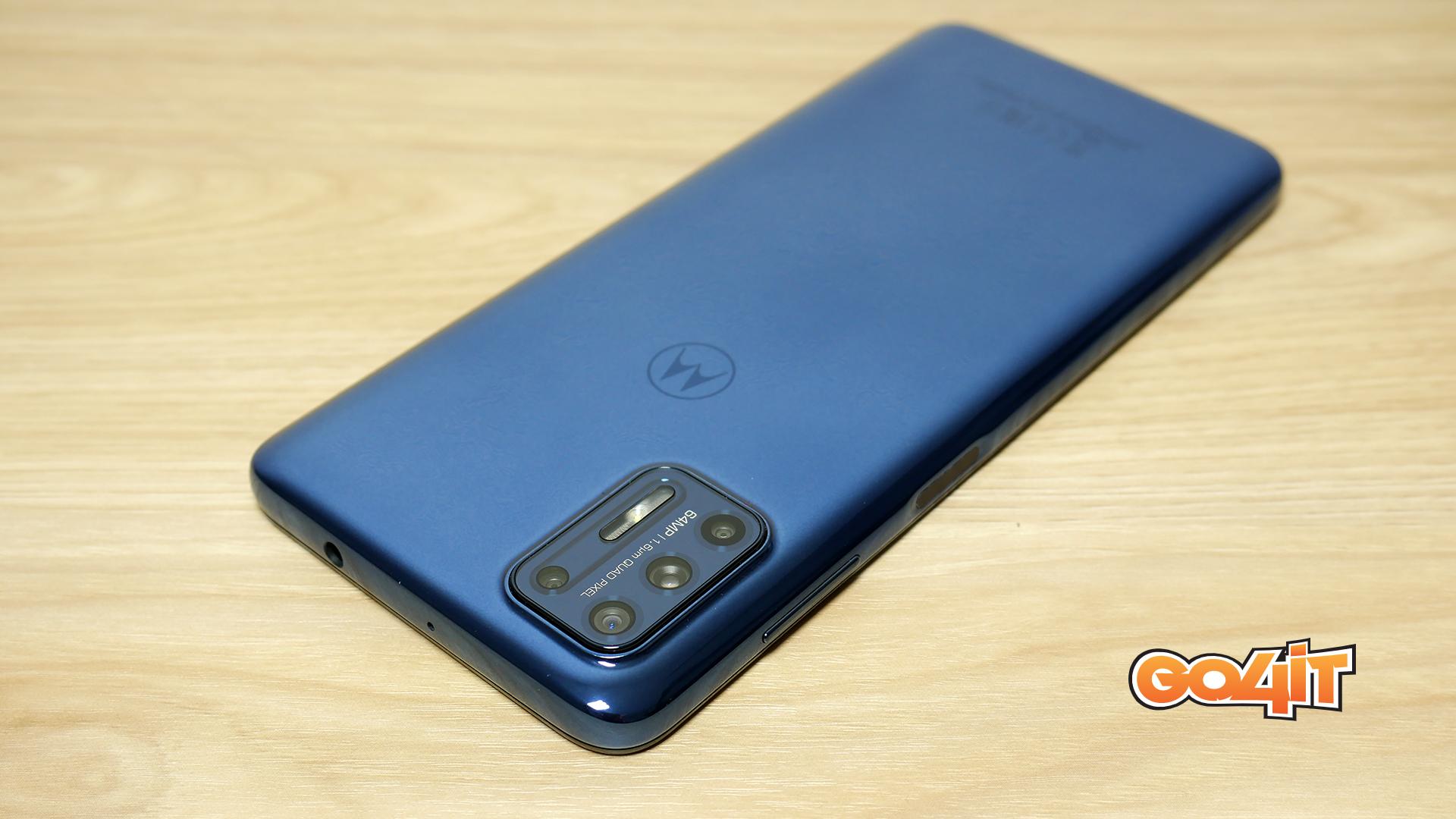 Moto G9 Plus top camera