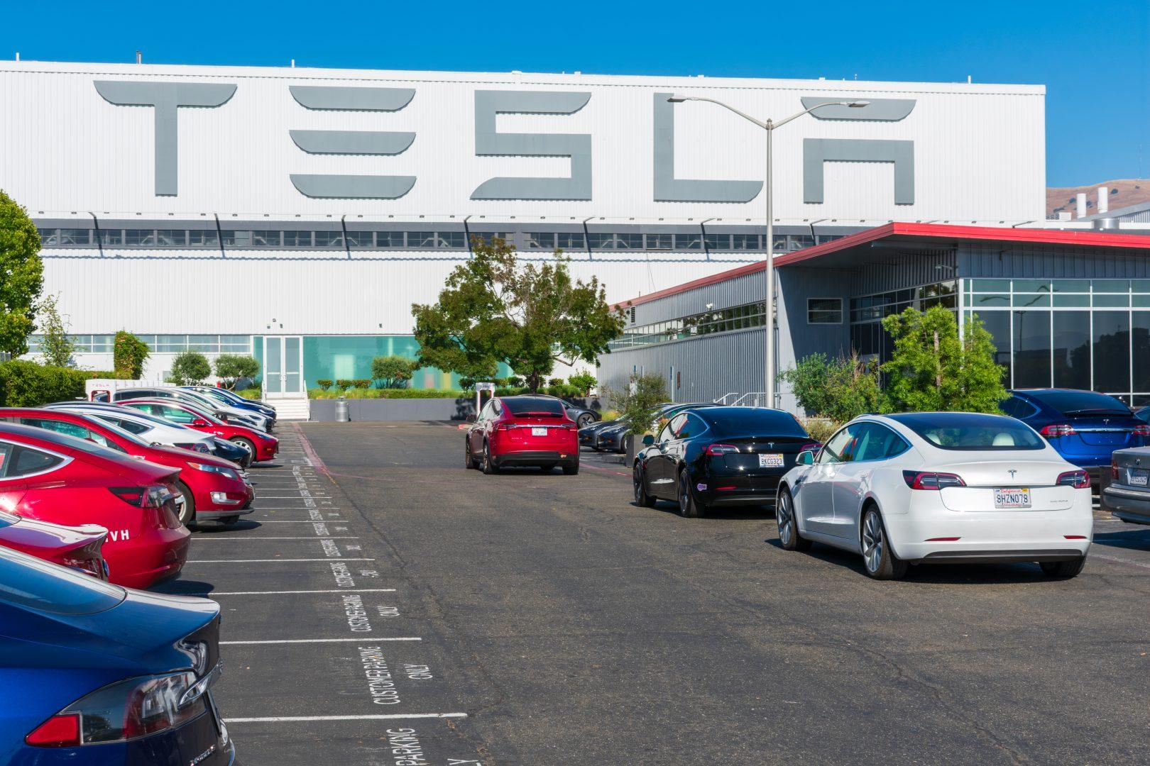 Marii beneficiari, puțin cunoscuți, ai succesului Tesla. Companii care își pot îmbogăți investitorii datorită companiei lui Elon Musk