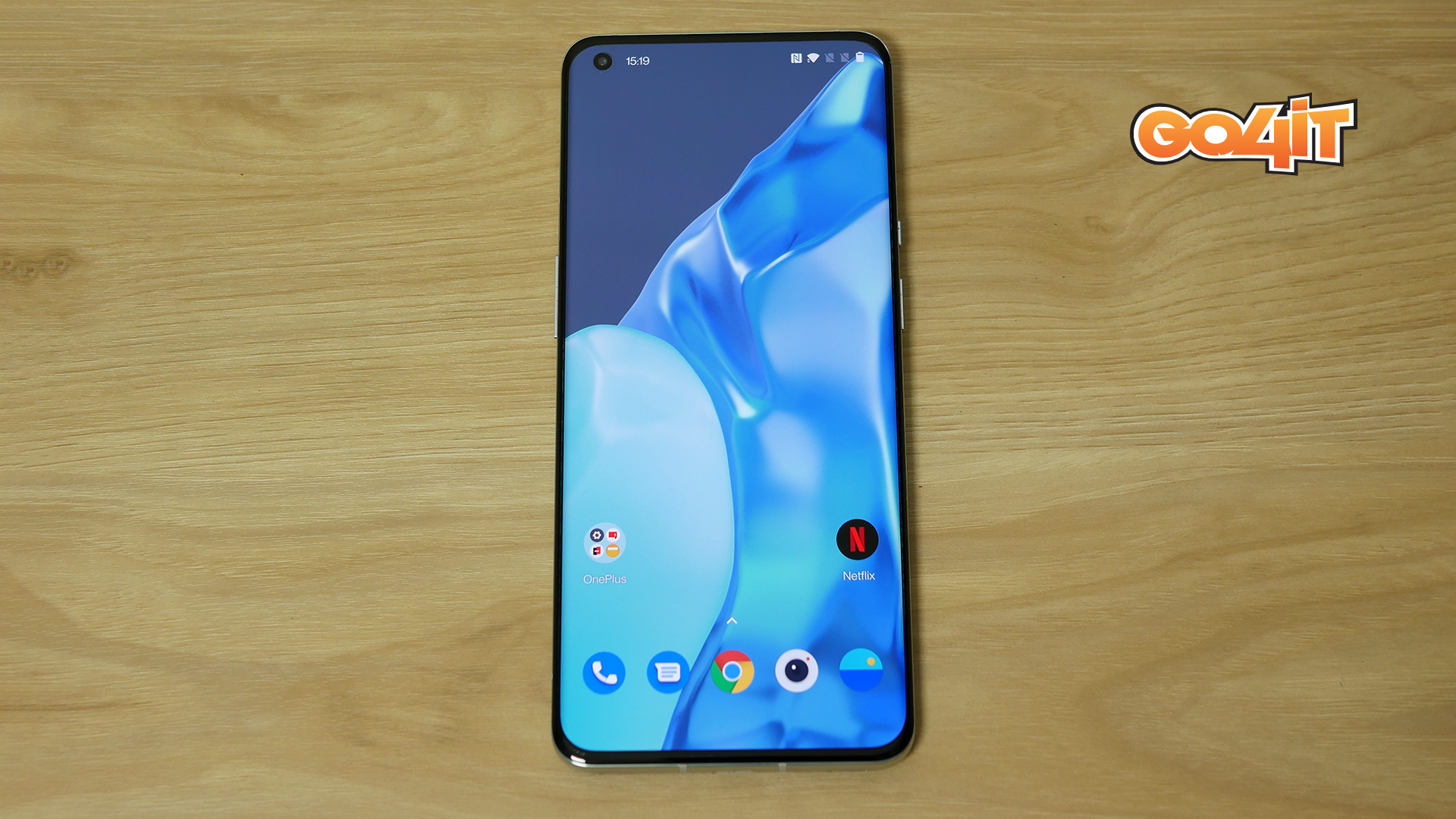 OnePlus 9 Pro front center