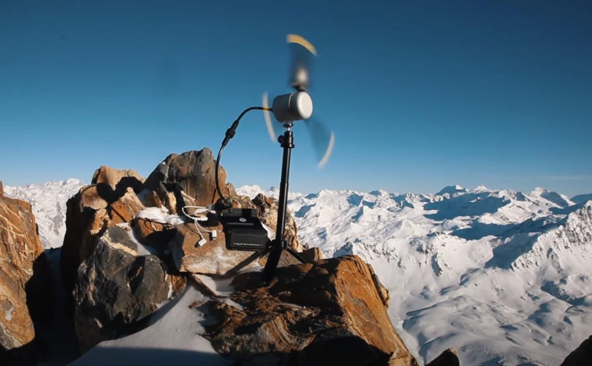 Video Go4it: Mini-turbina eoliană oferă energie în locuri fără electricitate