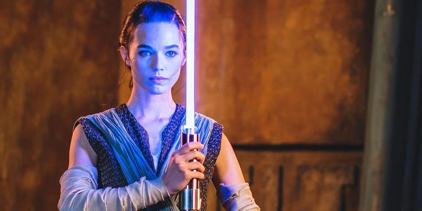 """Disney anunță sabia laser """"reală"""", care se extinde la fel ca în filmele Star Wars"""