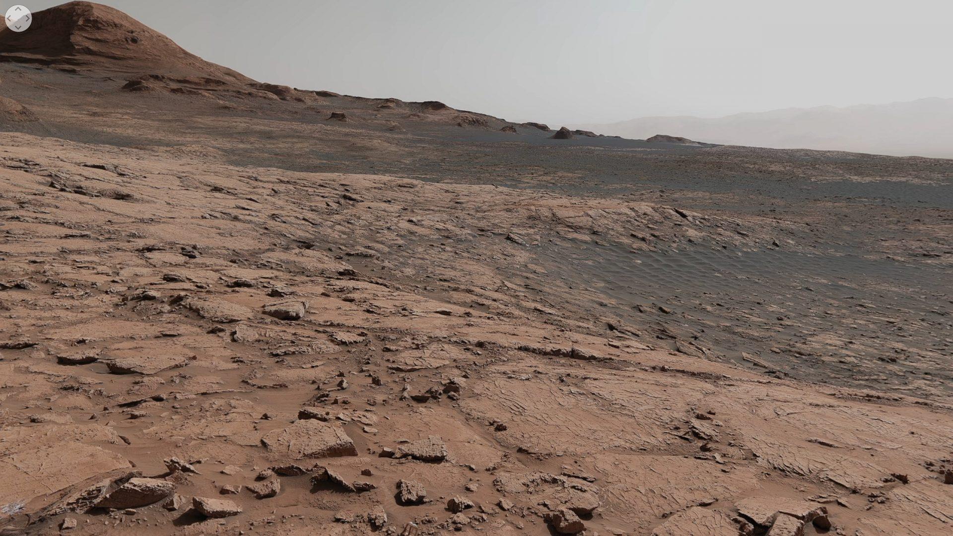 Vezi cum arată planeta Marte din perspectiva rover-ului Curiosity
