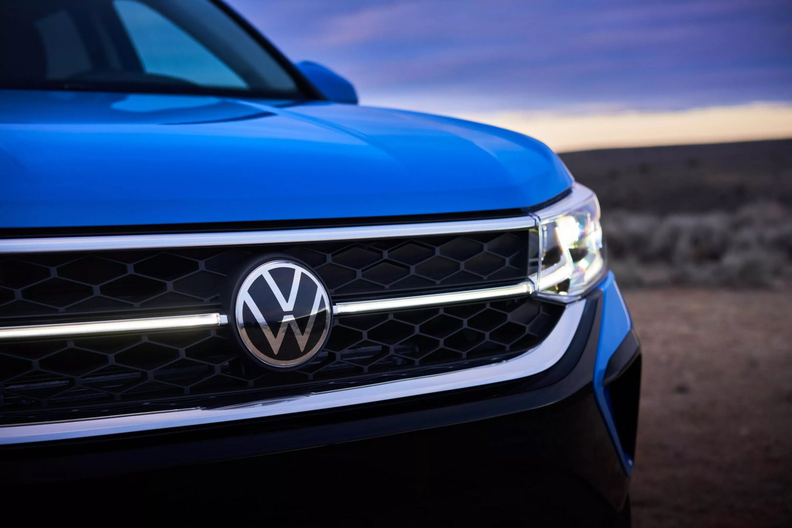 """Volkswagen """"plagiază"""" Tesla, anunțând dotări opționale disponibile cu abonament"""