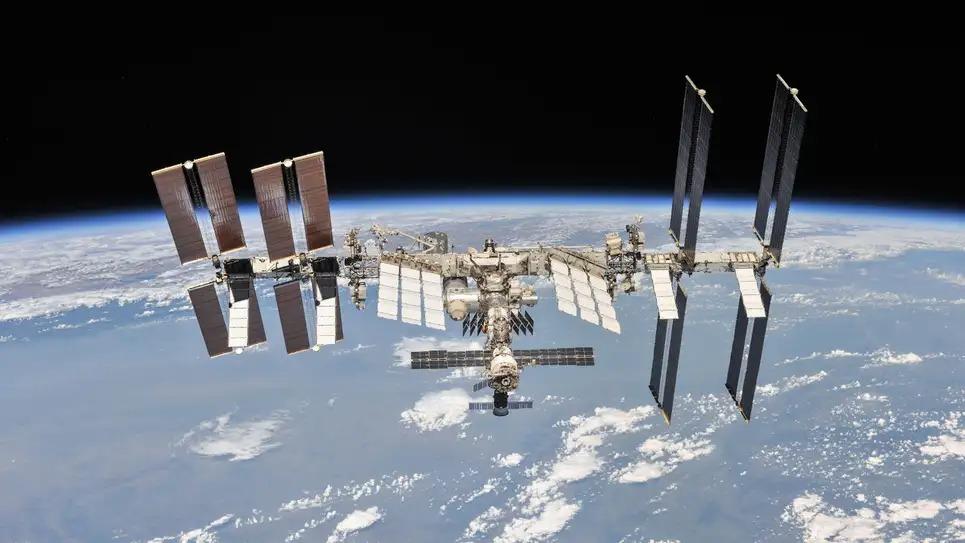 Rusia amenință că va părăsi Stația Spațială Internațională dacă SUA nu renunță la restricții