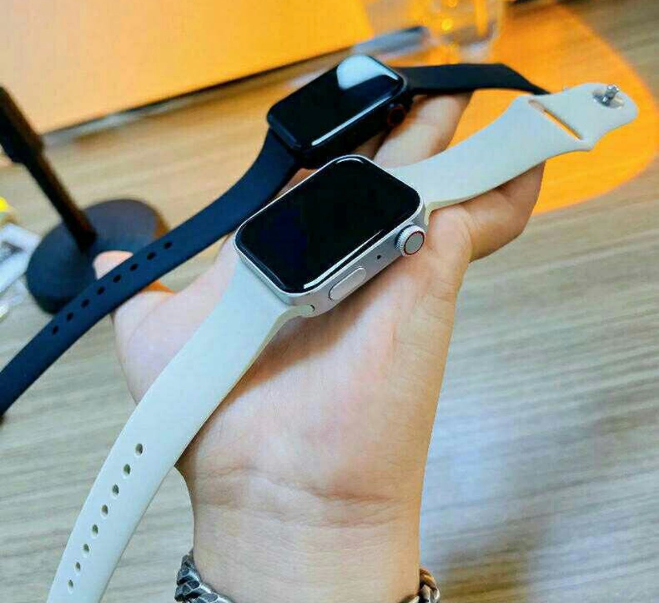 Apple Watch Series 6 silver black