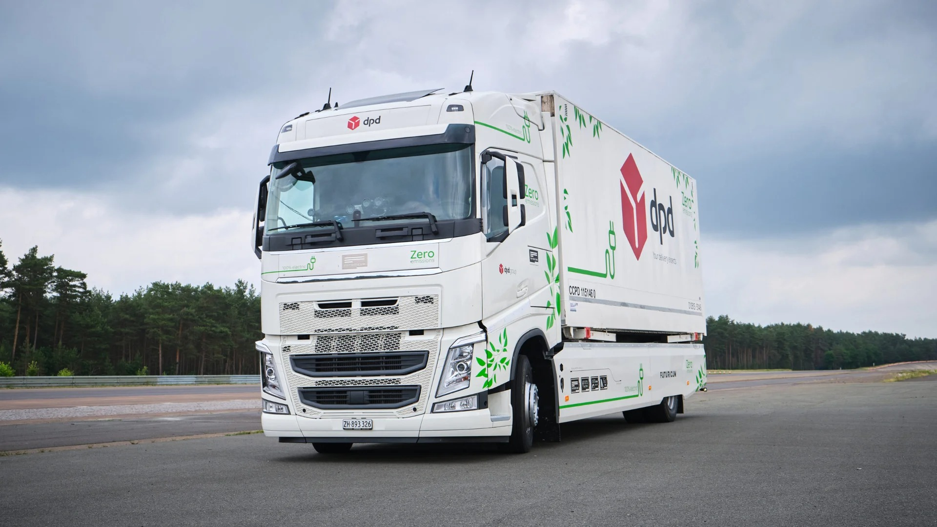 Intrat în Cartea Recordurilor: Un camion electric a parcurs 1.100 km la o încărcare a bateriilor